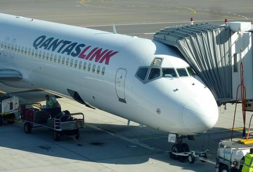 Qantaslink 717 boarding