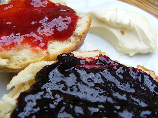 Blackcurrant Jam Cake Recipe