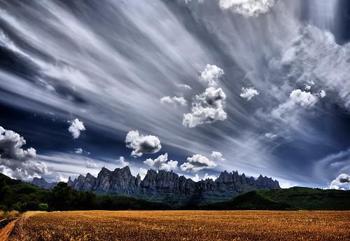 Impressive sky on Montserrat por José Luis Mieza
