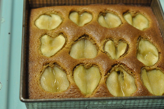 finished pear cake