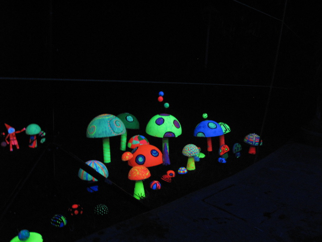gallery laptop neon mushrooms - photo #30