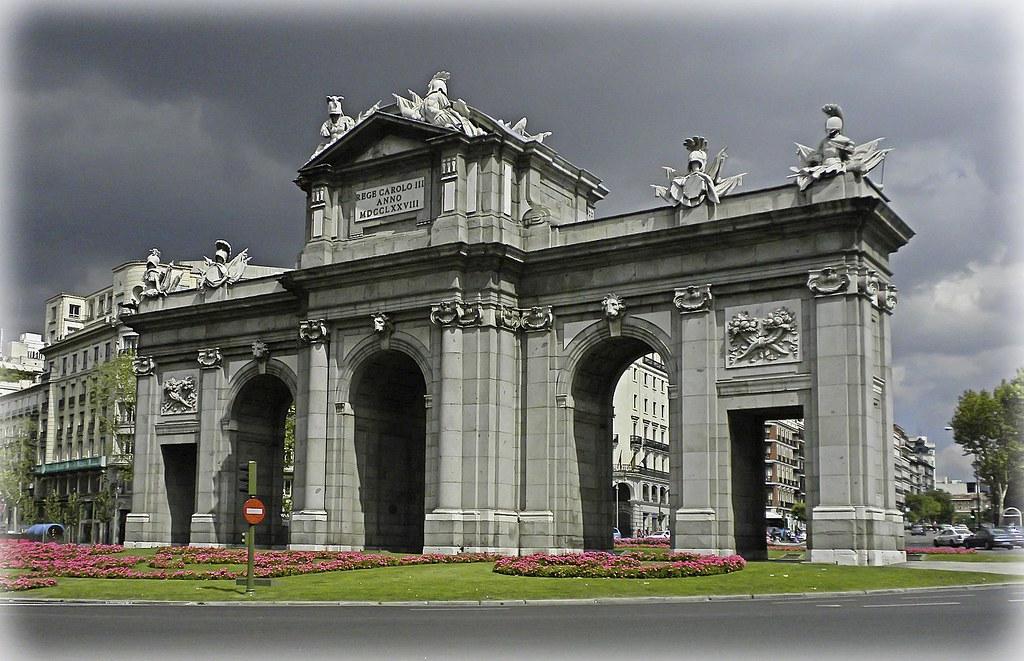 Puerta del sol map community of madrid spain mapcarta for Plaza de la puerta del sol