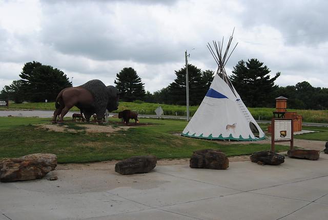 Driftstone Pueblo, St. Elmo, IL