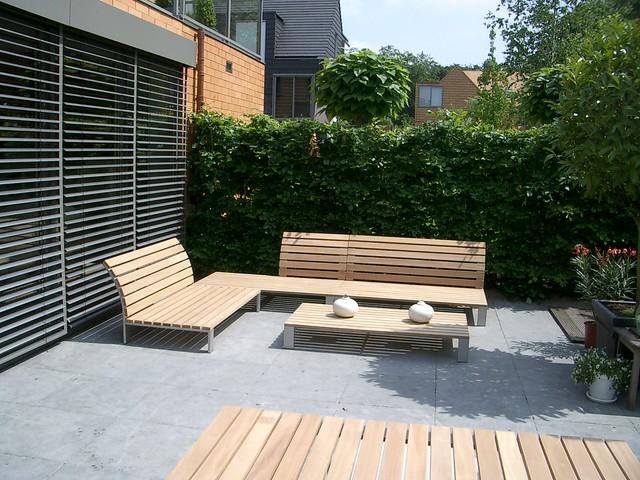 Eigentijdse houten lounge: sittingimage luxe tuinmeubelen