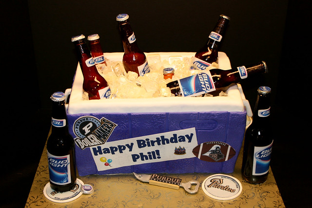 Beer Cooler Cake http://www.flickr.com/photos/7632830@N08/4449120383/