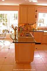 www.aadesignbuild.com Custom Kitchen Design and Remodeling Ideas, Garden window, Washington DC, Bethesda, Chevy Chase, Rockville, Potomac, A&A Design Build Remodeling, Germantown, Gaithersburg, Peninsula, Glass Cook top, Country Kitchen sink, Aging in Pla