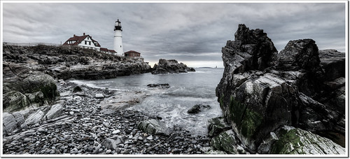 ocean light panorama lighthouse rock sunrise portland nikon elizabeth williams fort head maine moe cape phl chen 2470mm moe76