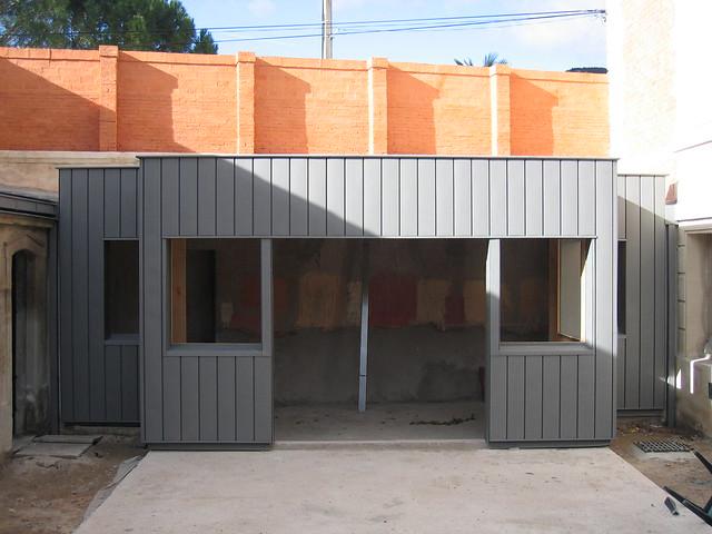 Extension ossature bois bardage zinc renovation bardage zi flickr photo sharing for Bardage fundermax ossature bois