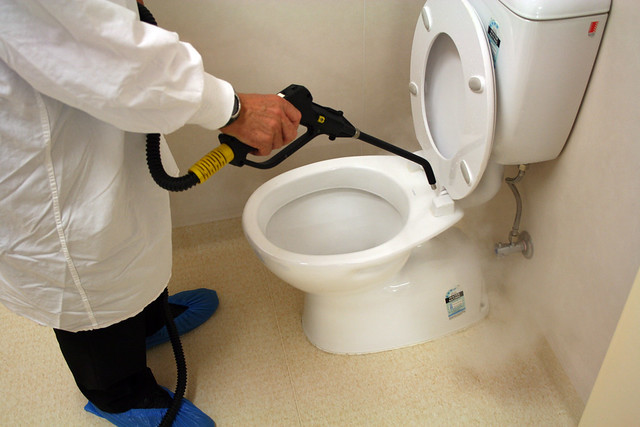 Bathroom cleaning equipment cleaning for Commercial bathroom cleaner