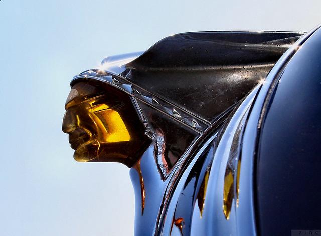 1949 Pontiac  orn