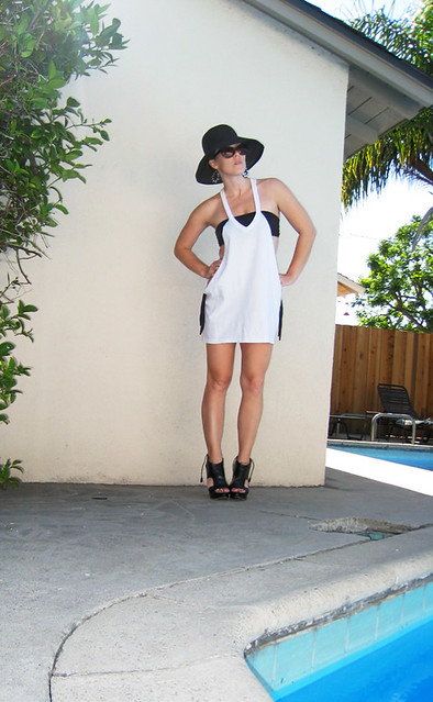 Cotton t shirt bathing suit cover up diy pool 1contrast for Wearing t shirt in swimming pool
