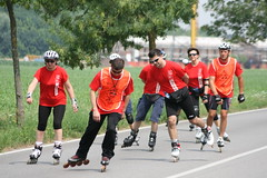 sprint(0.0), athletics(0.0), endurance sports(0.0), duathlon(0.0), footwear(1.0), sports(1.0), inline speed skating(1.0), team(1.0),