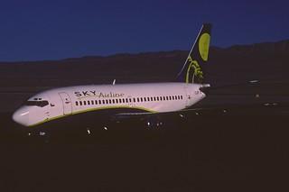 323ad - Sky Airline Boeing 737-200; CC-CAP@CJC;29.09.2004