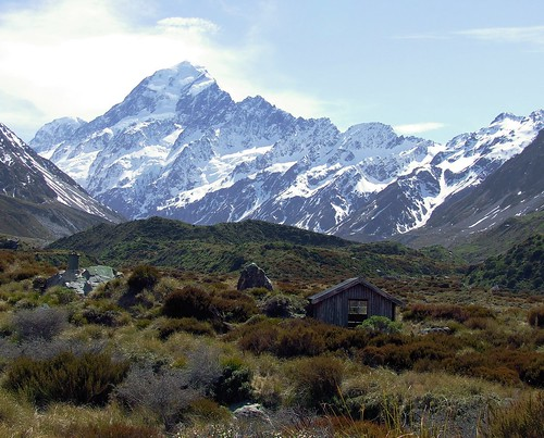 Mt Cook and Mountains Shelter