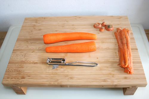 15 - Möhren schälen / Peel carrots