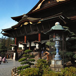 Zenko-ji: Main Hall