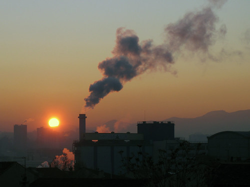 sun sunrise soleil marseille factory shine smoke sugar saintlouis usine lever sucre fumée