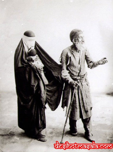 Pakistani Beggar: see image at ___ http://www.desihotmasala.com/2009/10/beggars-begging-for-it-worlds-most.html