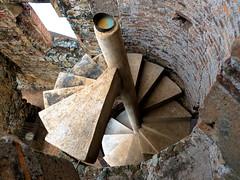 escalera vieja nueva