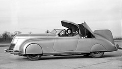 Dan LaLee and his streamline car in 1938