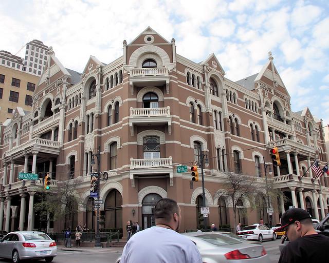 Hilton Niagara Falls/Fallsview Hotel & Suites | Ontario Canada