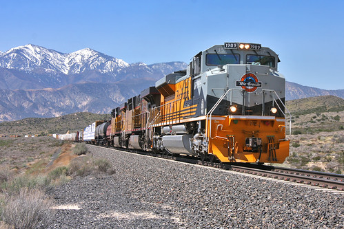 Heritage Unit UP 1989 through Cajon Pass