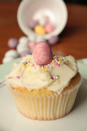 IVanilla Easter Cupcakes by Anne's Kitchen