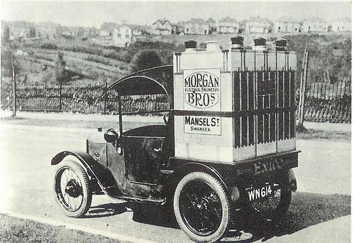 1928 Austin Seven 'Exide Batteries' Van