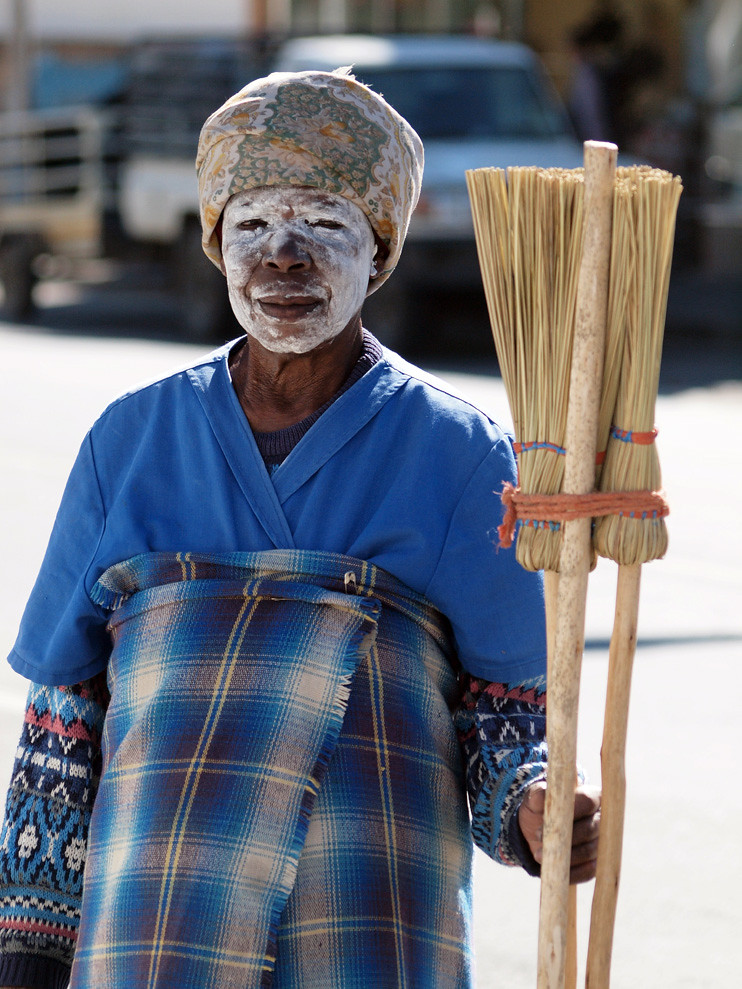 South Africans - the broom seller