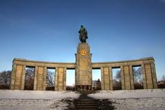 Sowjetisches Ehrenmal Tiergarten (Soviet Memorial)