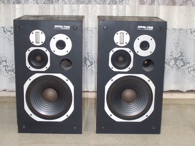 Pioneer HPM 40 Speakers http://www.flickr.com/photos/saka_matra_miscellaneous/4663164401/