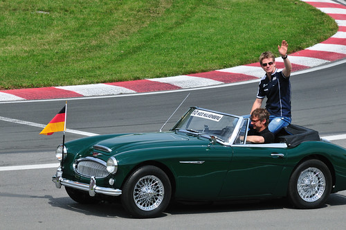 F1 Drivers Parade: Nico Hulkenberg in an Austin Healey