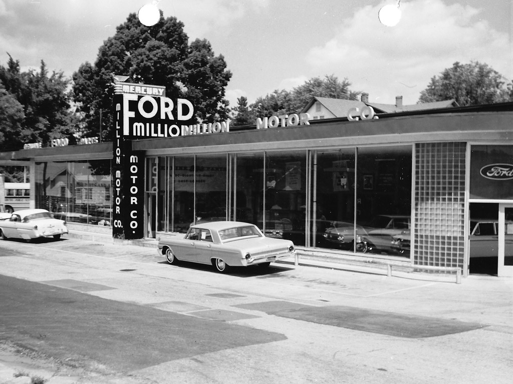 The vintage photo thread the ford torino page forum for Ford motor company dealerships
