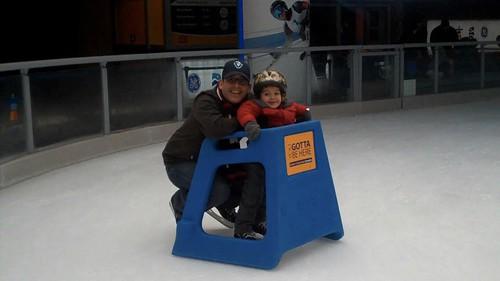 20091226 skating - 15