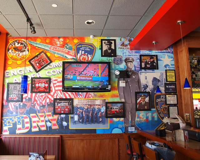 Fdny nypd collage mural harlem applebee 39 s new york for Mural collage