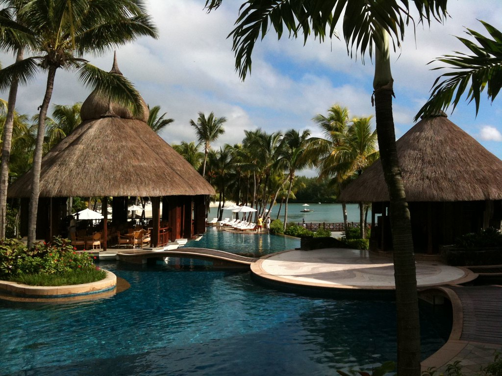 Le tousserok hotel mauritius a stunning hotel on this for Stunning hotels