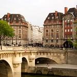 ภาพของ New Bridge. paris france arquitetura gardens architecture vacations newbridge ferias pontneuf seineriver riosena laseine pontenova frança îledefrance