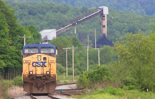CSX 108 Hopewell WV 23 May 2010