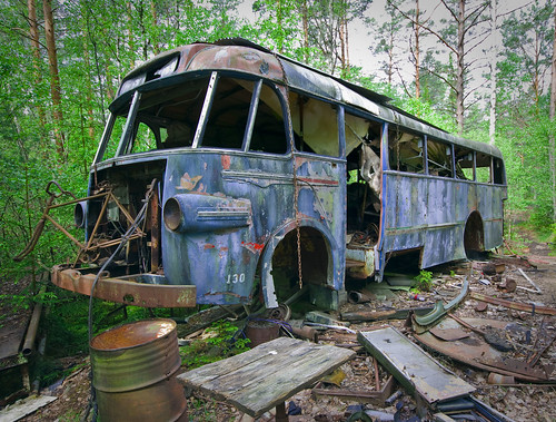 Old Rusty Bus by T.Onnemar