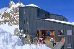 Skitour/Ländgüberschreitung Montblanc, 4810 m. Ausgangspunkt Cosmique-Hütte, 3613 m, unterhalb der Aiguille du Midi.. Foto: Günther Härter.