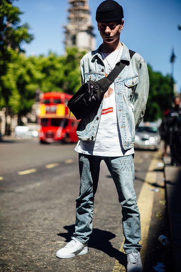 黒ニットキャップ×Gジャン×Supreme白Tシャツ×デニムパンツ×Nikeエアフォース1白