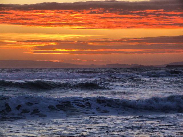 La dorada Luz sobre el mar.