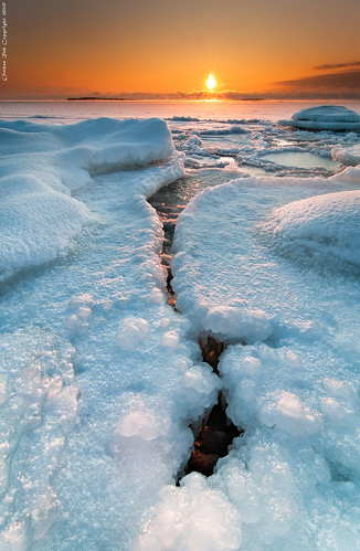 winter sea ice rock sunrise suomi finland landscape nikon europe scenic rob crack tokina 09 scandinavia talvi meri maisema archipelago d300 jää uutela gnd 1116 nohdr orthen leefilters roborthenphotography tokina1116 tokina1116mm28 seafinland