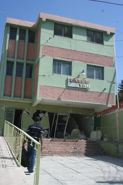 Haiti s isme canap vert flickr photo sharing for Medlab canape vert haiti