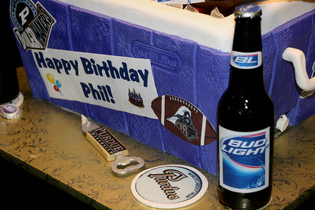 Beer Cooler Cake http://www.flickr.com/photos/7632830@N08/4449120835/