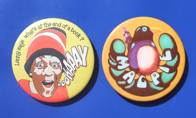 Children's TV promotional badges – Tiswas (1980's) & Magpie (1970's)