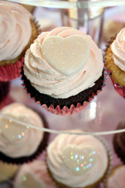 Pink Ivory Wedding Cupcakes These glittery hearts are proving so popular