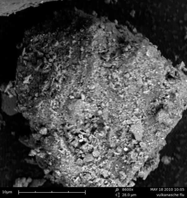 Vulkanasche / Volcanic ash of Eyjafjallajökull 2 | Flickr - Photo ...