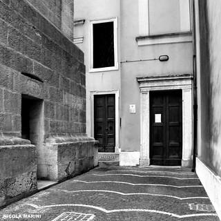Porte sacre - Holy doors - Attraverso il colore.