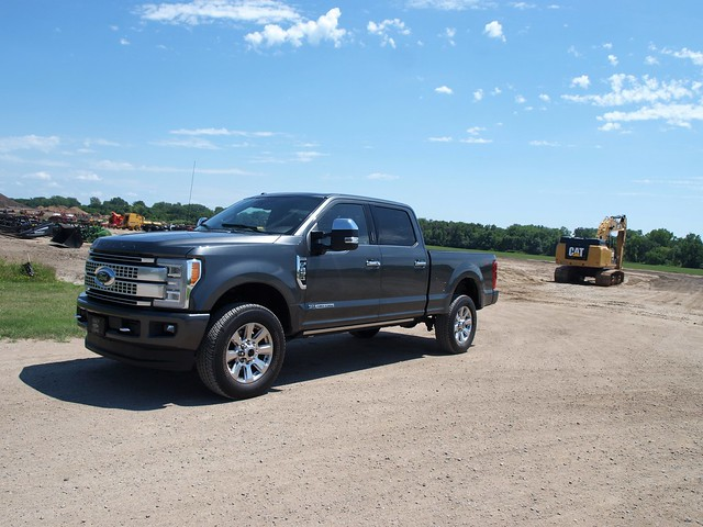 2017 Ford F-250 Super Duty Crew Cab Platinum 4X4